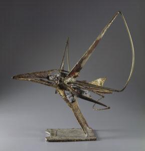 metal wiry sculpture